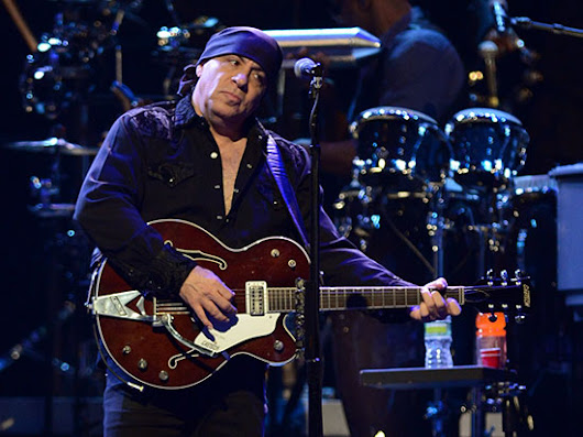 Backstreets.com: Talking Sun City with Steven Van Zandt
