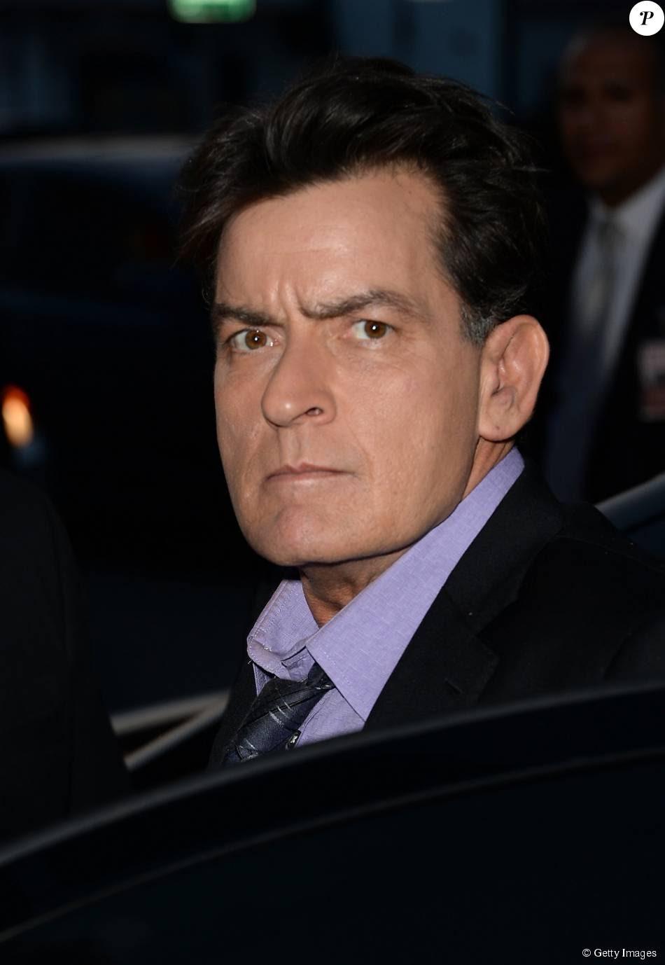 Charlie Sheen já pagou cerca de R$ 37 milhões para impedir que vídeos nos quais ele aparece usando drogas e fazendo sexo com um homem e algumas mulheres fossem divulgados