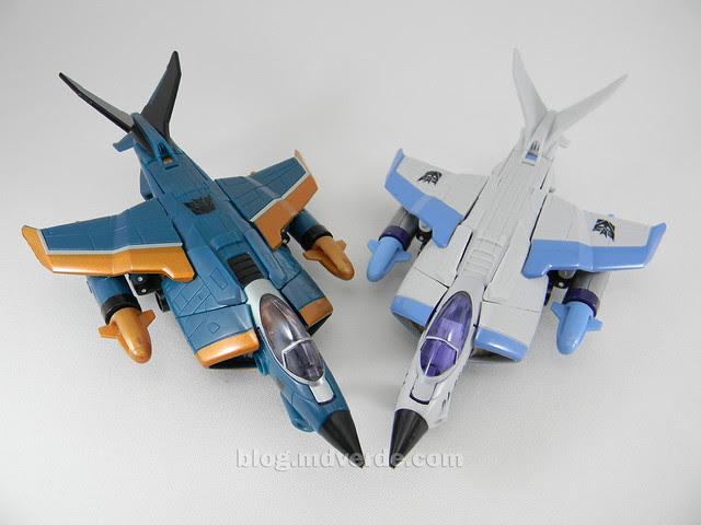 Transformers Jetblade HftD Deluxe - modo alterno vs Dirge
