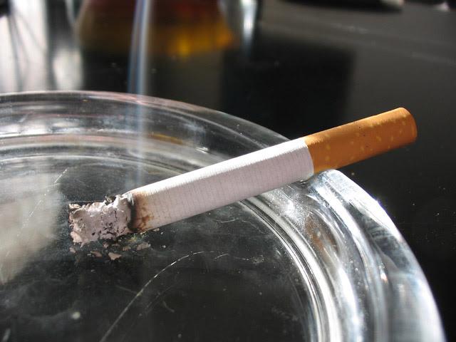 Resultado de imagen para humo de cigarrillo