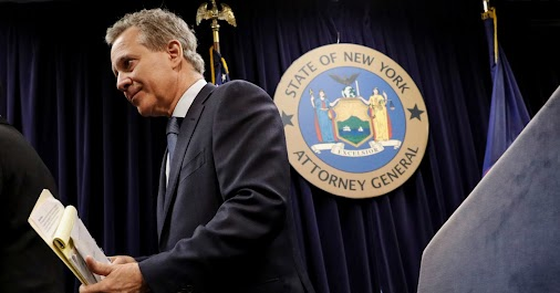 😆😆😆 ERIC SCHNEIDERMAN RESIGN as New York Attorney General Amid ASSAULT Claims by 4 WOMEN  Eric T...