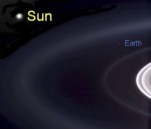 cassini_pic_earth_from_saturn_2006