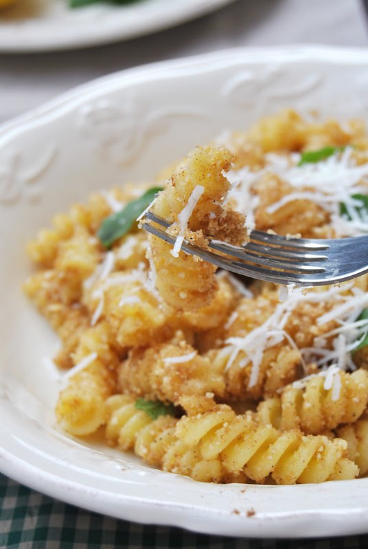 Lemon and Almond Fusilli