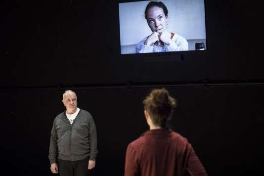 Daniel Kenigsberg et Fanny Catel dans «C'est la vie», de Mohamed El Khatib.