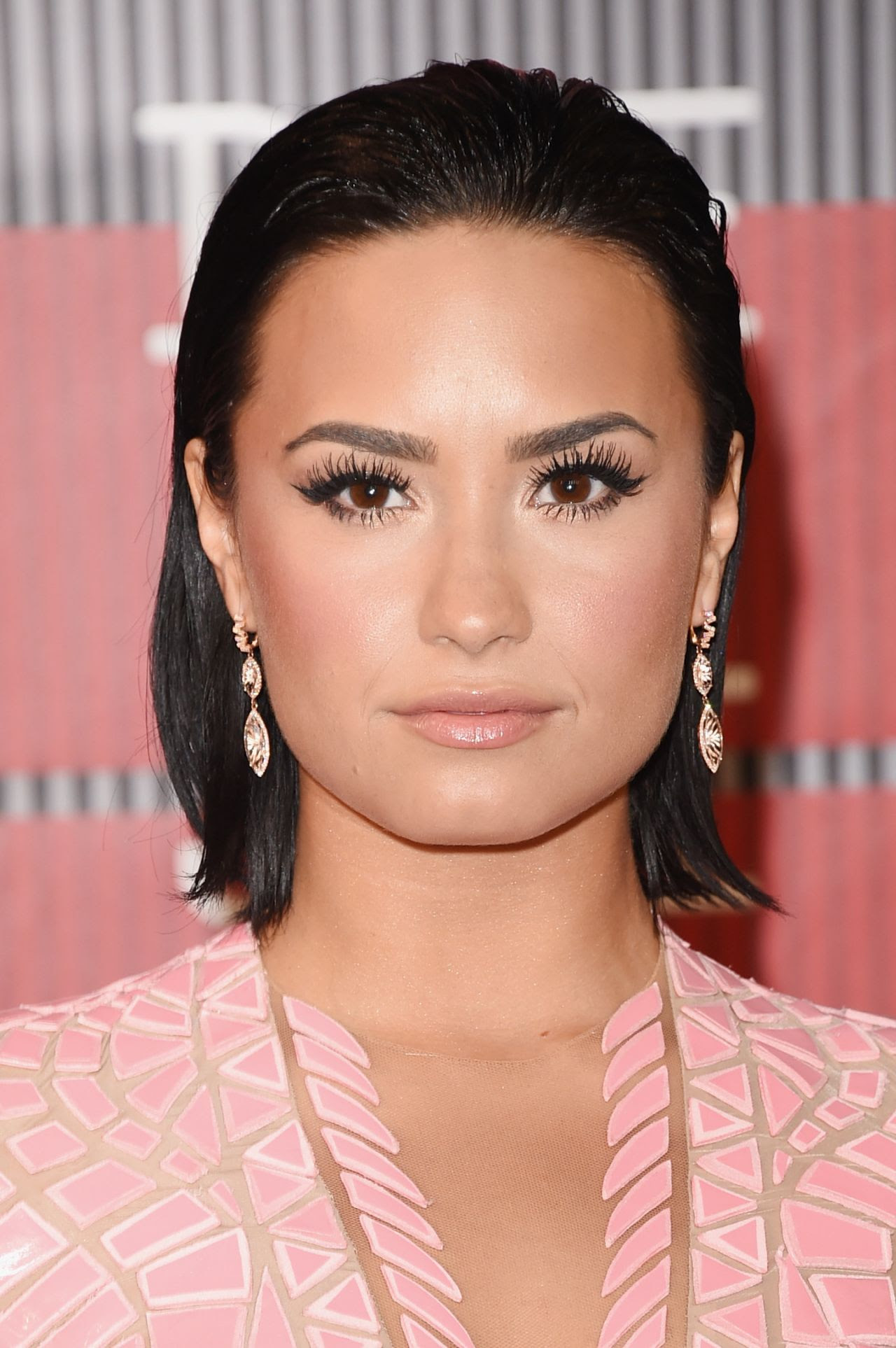 http://celebmafia.com/wp-content/uploads/2015/08/demi-lovato-2015-mtv-video-music-awards-at-microsoft-theater-in-los-angeles_3.jpg