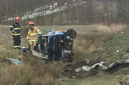 Driver hospitalized after I-5 rollover crash near Arlington | HeraldNet.com