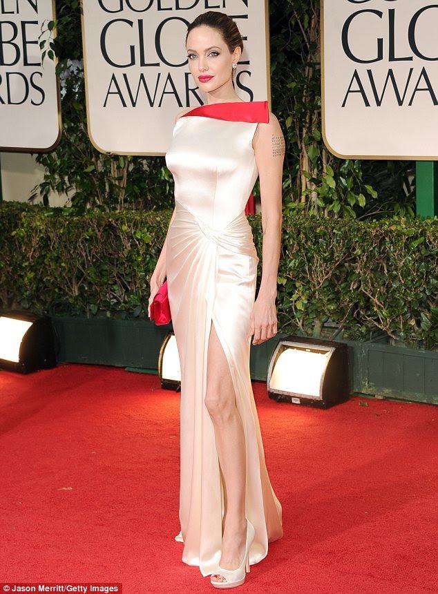 Nomeado: Angelina está esperando para ganhar um prêmio por sua estréia como diretora In the Land of Blood and Honey