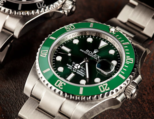 Which Guitar Legend Wears this Rolex Hulk Submariner?