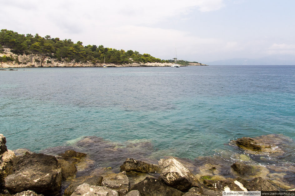 Море и камни. Посёлок Гайос, остров Паксос, Греция