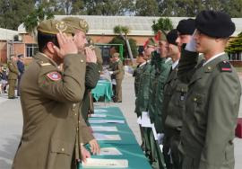 Entrega de certificados a los nuevos soldados