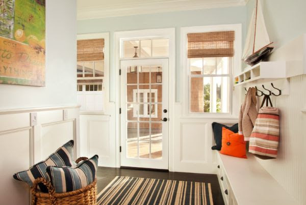 Clever storage solutions for a well-organized entry hallway