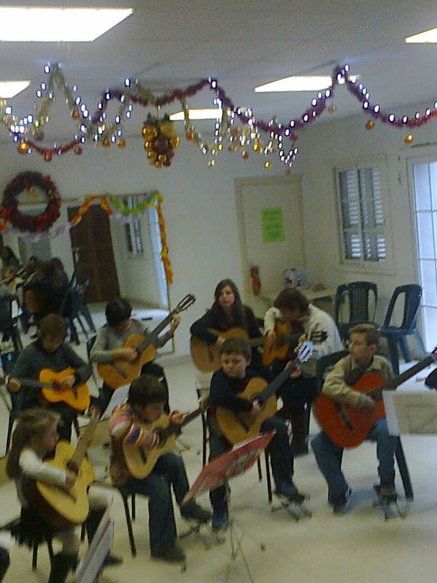 Ellen Reymann cours de guitare à Aullène
