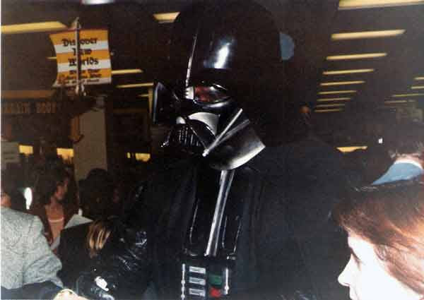 Darth Vader mall appearance