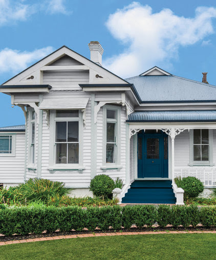Traditional Exterior by Taubmans