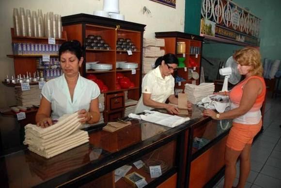 Mercado en Cienfuegos. Foto: Modesto Gutiérrez/ ACN.