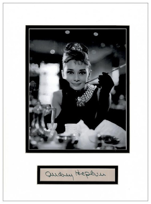 Audrey Hepburn Autograph Signed - Breakfast At Tiffany s