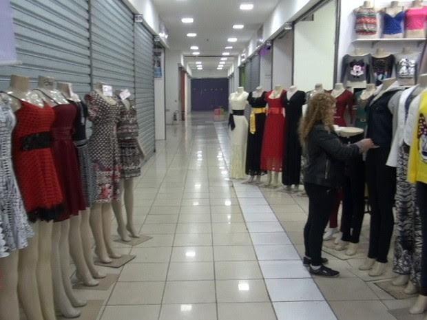 Elisete Araújo  de Lima reclama da queda nas vendas e do valor do aluguel (Foto: Reprodução/TV Globo)