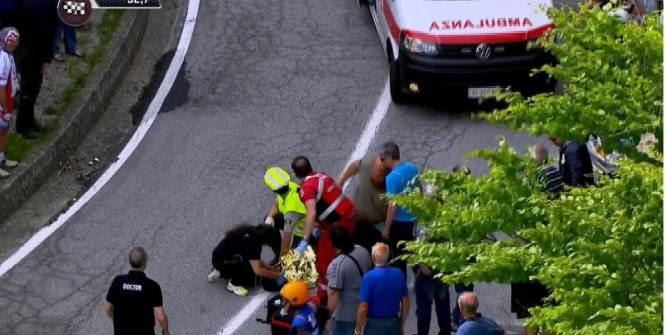 Domenico Pozzovivo est resté de longues minutes au sol après sa chute. (L'Equipe)