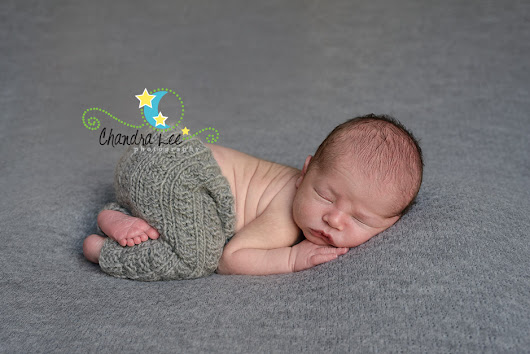 Newborn Photographer Specializing in Portraits of Babies Ten Days of Age and Younger