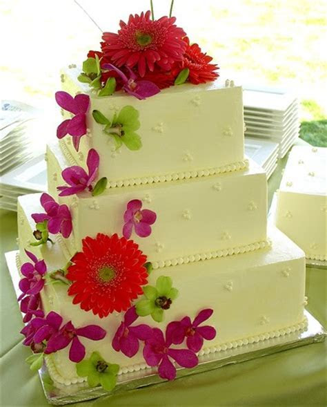 Unusual Square Wedding Cake Pictures: 3 Tier Fresh Flower