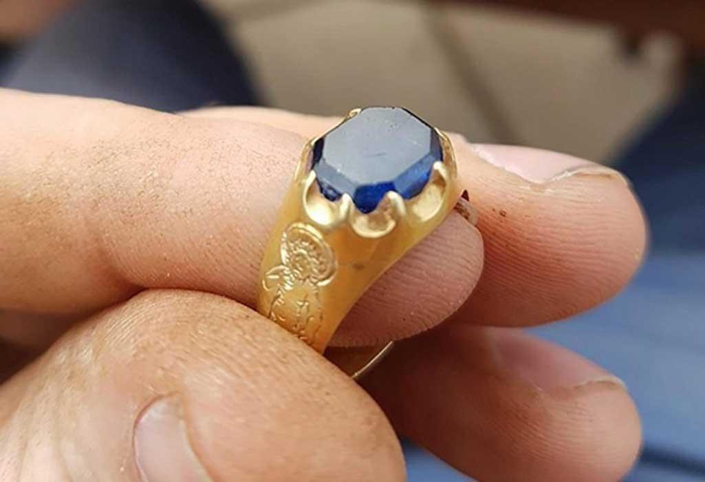 Resultado de imagen para medieVal simbólic gemstones