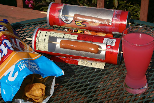 How-To: Solar Hot Dog Cooker From A Pringles Can | Make: DIY Projects, How-Tos, Electronics, Crafts and Ideas for Makers