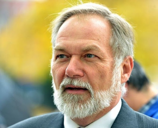 Scott Lively, controversial minister and gubernatorial candidate, to speak to small-town Republicans, including some with reservations |