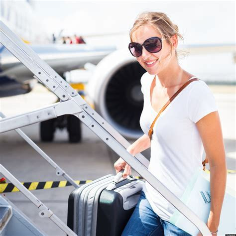 How To Dress Comfortably For a Flight, What to Wear on an