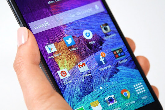 Samsung Galaxy Note 4 Review: The Phablet Pioneer Still Leads the Way - WSJ - WSJ