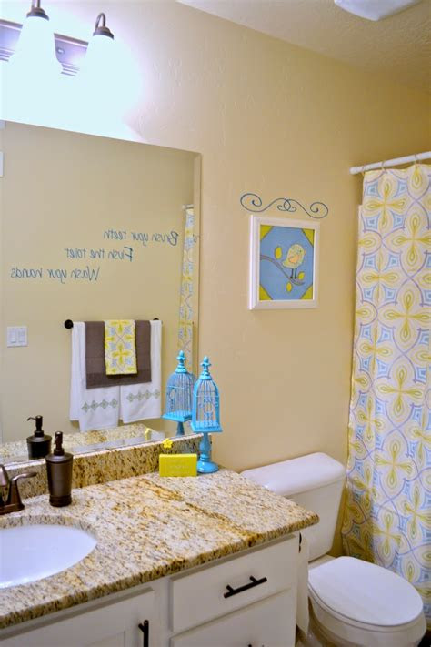 scrappin diy bathroom decor