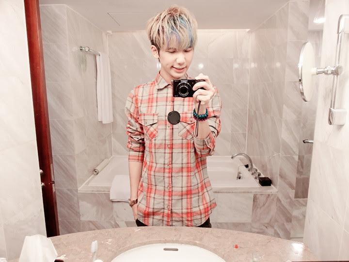 typicalben mirror reflection regent taipei hotel