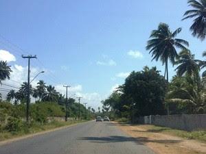 PE-01, em Paulista e Olinda, não recebeu sinalização do DER (Foto: Penélope Araújo/G1)