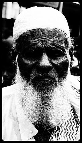 The Eternal Pain Of The Muslim Beggar Of Bandra Bazar Road by firoze shakir photographerno1