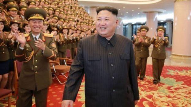 Kim Jong-un là em cùng cha khác mẹ của Kim Jong-nam.