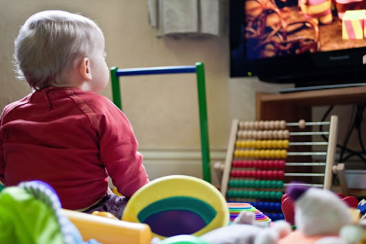 One Extra Hour of TV Reduces Toddlers' Kindergarten Chances