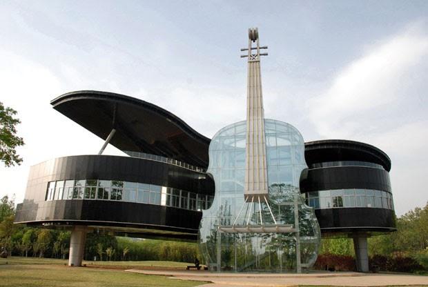 O Urban Planning Exhibition Hall, prédio em forma de piano e violino na China (Foto: Zhang Anhao/Imaginechina)