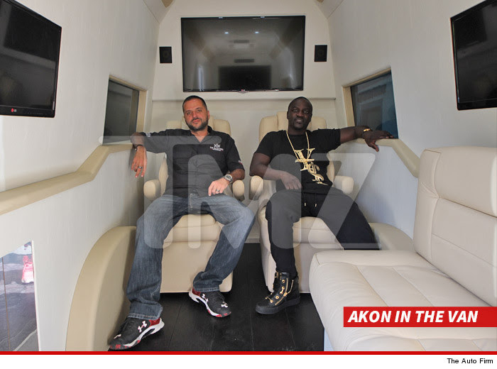 0408-akon-in-the-van-SUB-THE_AUTO_FIRM-01