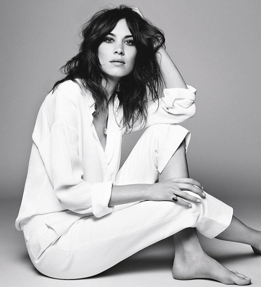 Le Fashion Blog Alexa Chung Wavy Hair White On White Look Heart Locket Necklace Pinkie Ring Nude Nails Glamour UK photo Le-Fashion-Blog-Alexa-Chung-Wavy-Hair-White-On-White-Look-Heart-Locket-Necklace-Pinkie-Ring-Nude-Nails-Glamour-UK.jpg