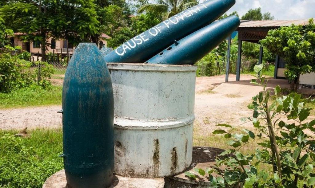 Bombas não detonadas encontram uso diário nas aldeias do Laos 09