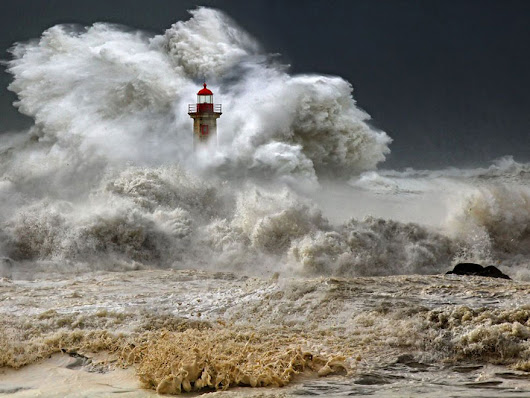 28 Breathtaking Photos Of Lighthouses That Have Stood The Test Of Time