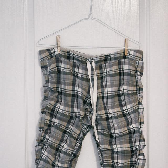 plaid capri pants for summer wear!