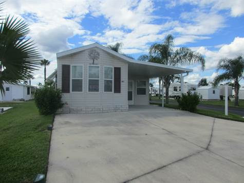 Home for Sale in Rainbow RV Resort, Frostproof, Florida $69,900