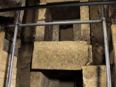 Αμφίπολη: Είχε αποτεφρωθεί ο νεκρός; Τι αποκάλυψε ο υπουργός Πολιτισμού για τα ευρήματα στον τάφο