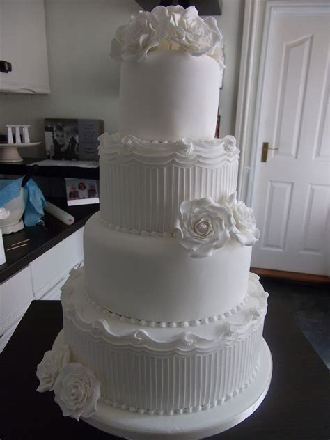 The LILY ROSE Cake Co.: White Wedding Cake