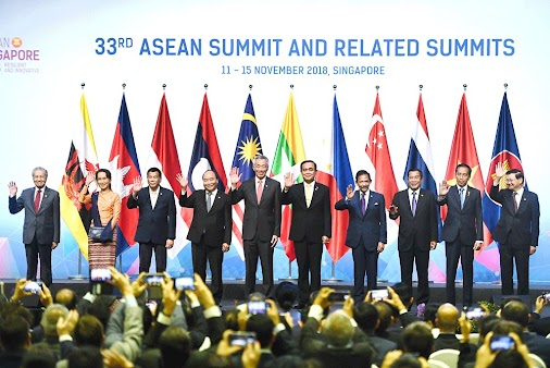 This is realpolitik #ASEAN has to face. Chinese Premier #Likeqiang's presence at the summits of ASEAN...