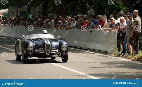 Alfa Romeo Spider Silver