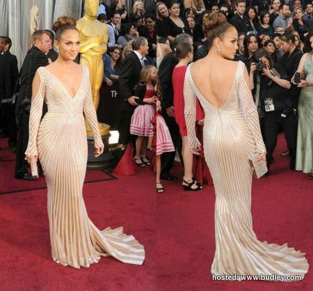 Jennifer Lopez #Oscars Red Carpet Look