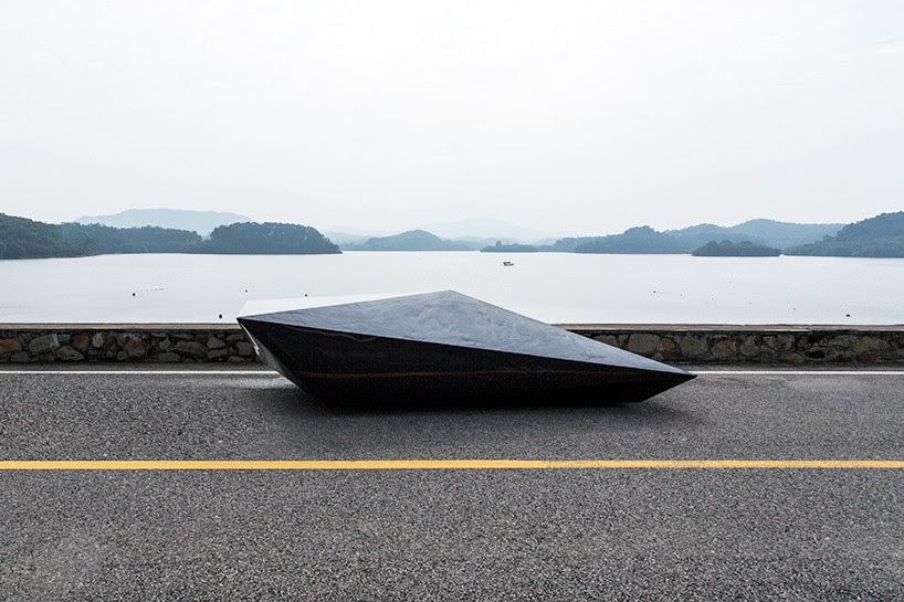 united-nude-lo-res-car-designboom-02