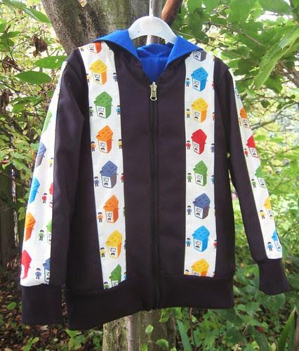 lego hoodie v2 black side front