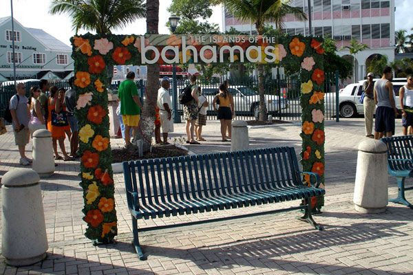 Visiting the city of Nassau, the capital of the Bahamas, on August 17, 2008.